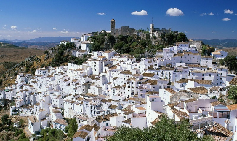 Take a day trip to Casares, an Andalucian village bursting with charm!